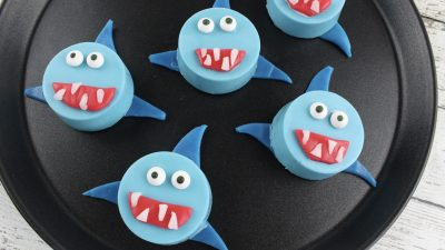 shark cookies made with oreos