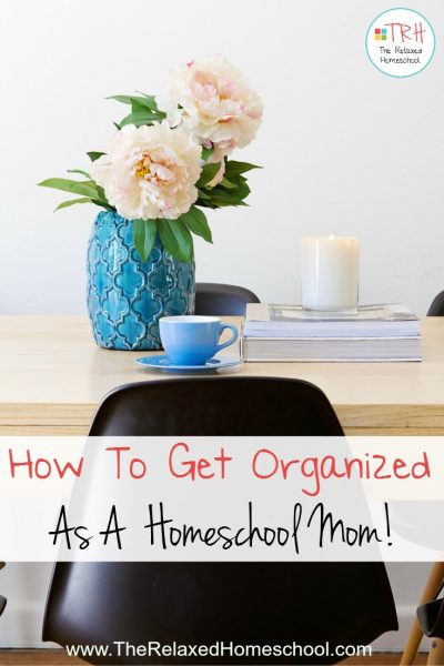 Get organized once and for all with these easy tips and tricks! Homeschool organization | Homeschool Rooms| Homeschooling | Organization Idea