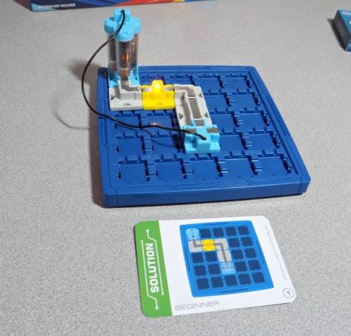 Circuit maze 009